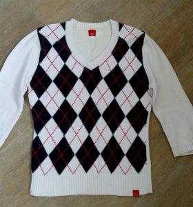 2 свитера
