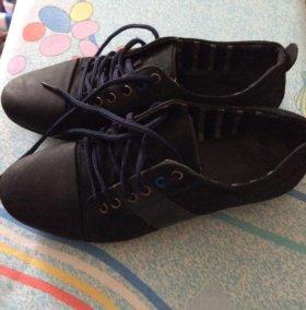 Туфли на мальчика 38размер