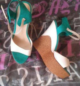 Новая обувь босоножки,туфли