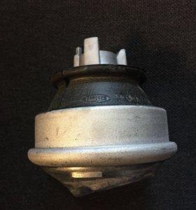 Подушка двигателя MB W202/w210