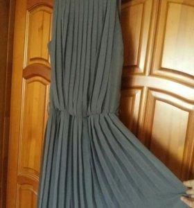 Платье серое плиссировка в пол