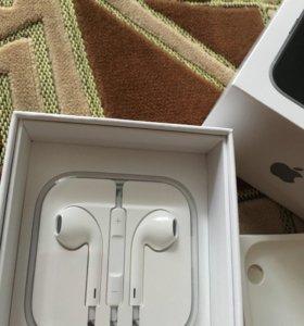 EarPods Apple новые.
