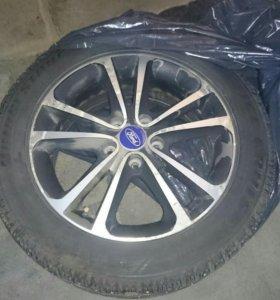 Зимние шины Bridgestone с дисками