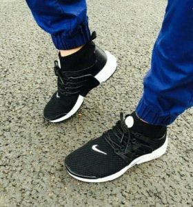 Мужские новые кроссовки в наличии 42 размер