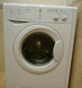 Продам стиральную машинку в отличном состояние