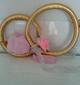 Свадебные кольца на авто и сердце