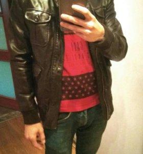 Кожаная куртка zara. Мужская.