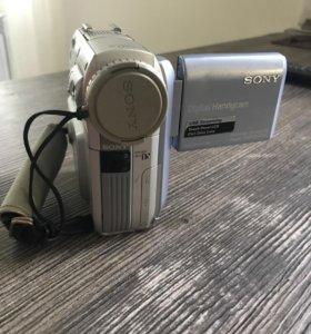 Видеокамера Sony Sony DCR-PC104E PAL