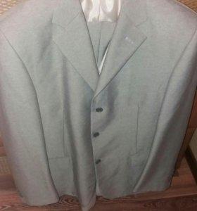 Мужской костюм. 56 размер
