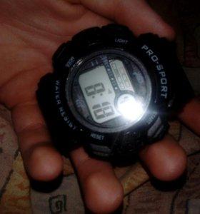 Продам power benk(300р) и часы pro sport(400)