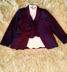 Пиджак,рубашка,жилетка