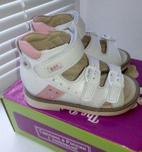 Новые сандалики, размер 22, 28