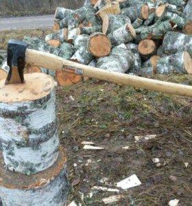 Кошу траву и рублю дрова