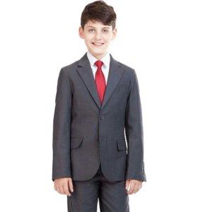 Классический костюм для школьника