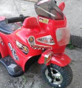 Мотоцикл на аккумуляторе.