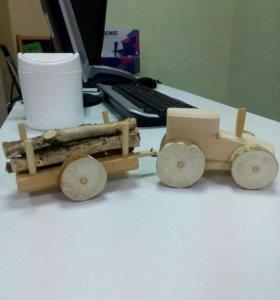 Трактор деревянный