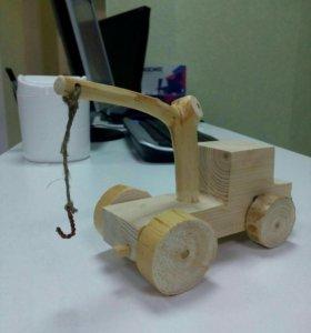 Авто кран деревянный