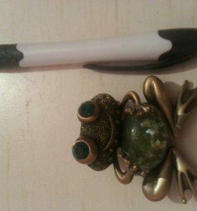 брошка Лягушка