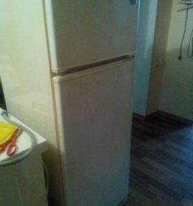 Холодильник,нерабочий