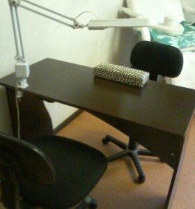 Маникюрный стол и стулья. Подлокотник в подарок.