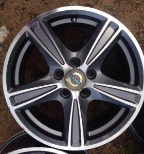 Стильные литые диски R16 на Вольво и Форд