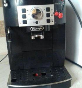 Кофемашина DeLonghi ЕСAM22.110