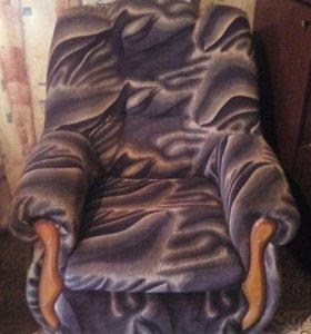 Продам два кресла в хорошем состоянии.