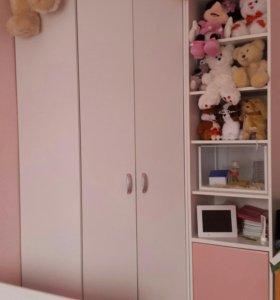 Шкаф с полкой новый срочно