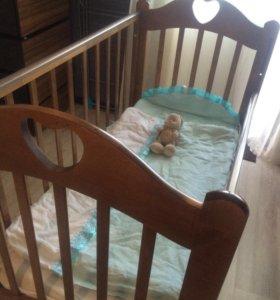 Детская кровать с матрацем