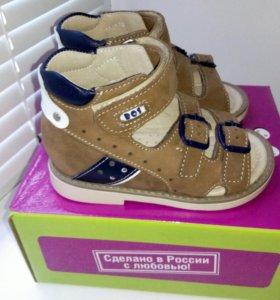 Новые сандалики, размер 22