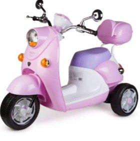 Детский мотоцикл на аккумуляторе(электромотороллер