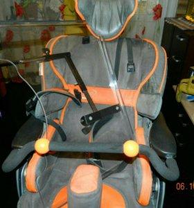 Комнатная коляска для ребёнка инвалида