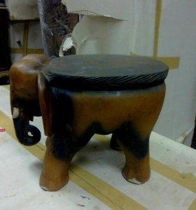 Декоративный табурет из дерева Слон