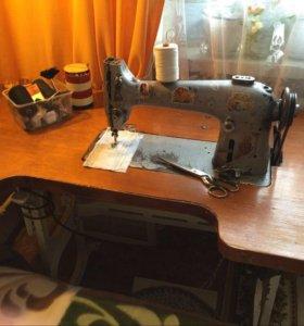 Производственная швейная машина