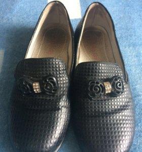 Чёрные туфли с бантиком