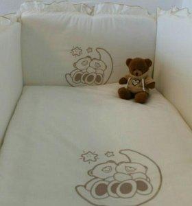 Детская кроватка, бортики, постель,матрас.