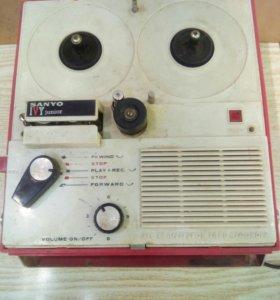 Бобинный Магнитофон.Япония.мини
