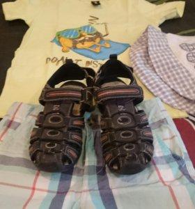 Шорты, футболка,сандалии