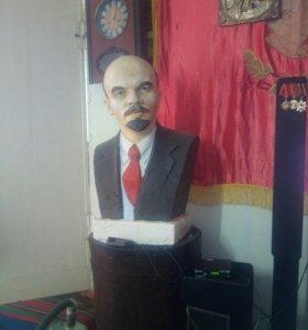 Большой бюст Ленин В.И. гипс-масло