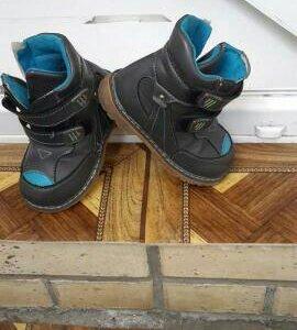 Продам детски ботинки
