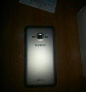 Продам Samsung Galaxy J1 2016 года