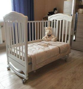 Детская кроватка-качалка Gandylyan колесиками