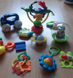 Погремушки, за все игрушки 250 р.