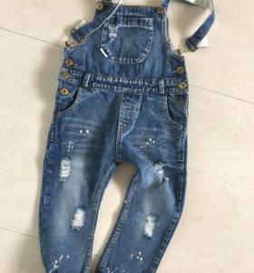 Комбинезон джинсовый . Рост104-107см