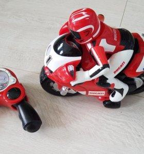 Мотоцикл на радиоуправлении Chicco