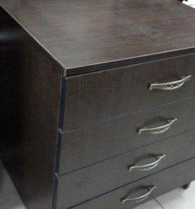 Примим мебель б/у на комиссию дорого.