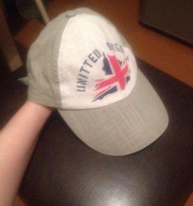 2 кепки и панама