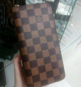 Клатч Loius Vuitton