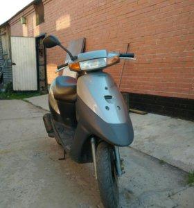 Мопед Suzuki Lets 2