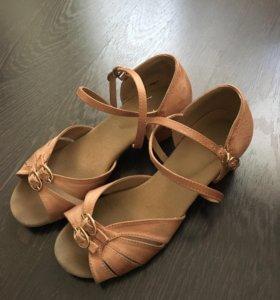 Туфли для занятий спортивно-бальными танцами